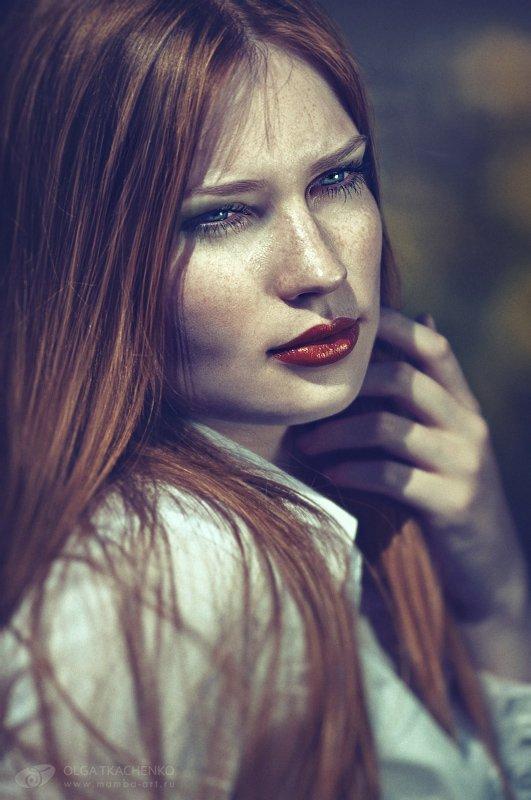 beautiful,  city,  colors,  elegance,  green,  lifestyles,  light,  model,  outdoors,  park,  people,  person,  photo,  portrait,  retouch,  street,  style,  sun,  sunlight,  trees,  urban,  women,, Olga Tkachenko
