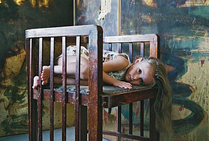 ребенок, девочка, детство, кресло, ширма., Смолянская Евгения