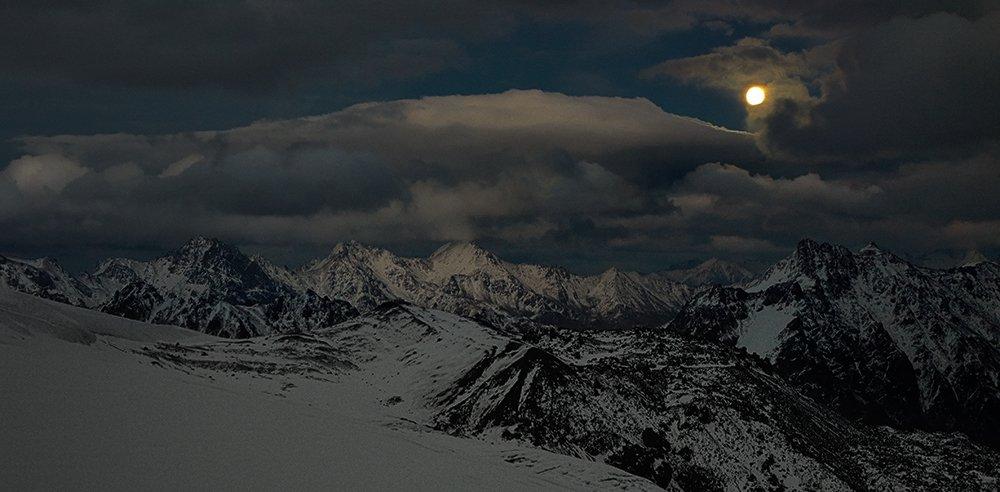 Elbrus Race, Кавказ, Лунная ночь, Андрей Chogori Громов