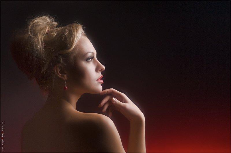 красота,душа,свечение,девушка,портрет,свет,тень, Александр Путев