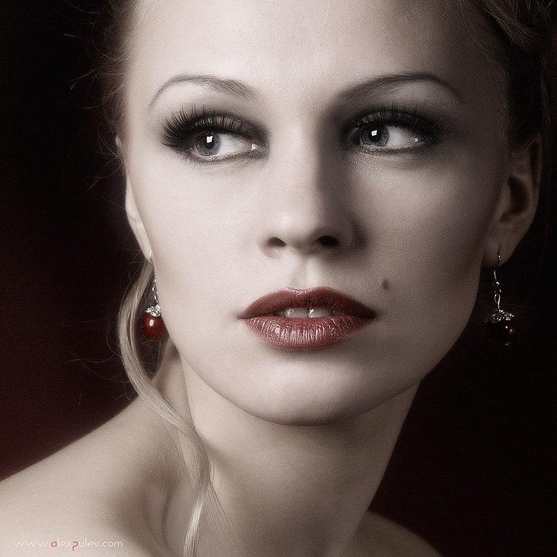 взгляд,свет,тень,портрет,девушка,глаза,настроение,, Александр Путев