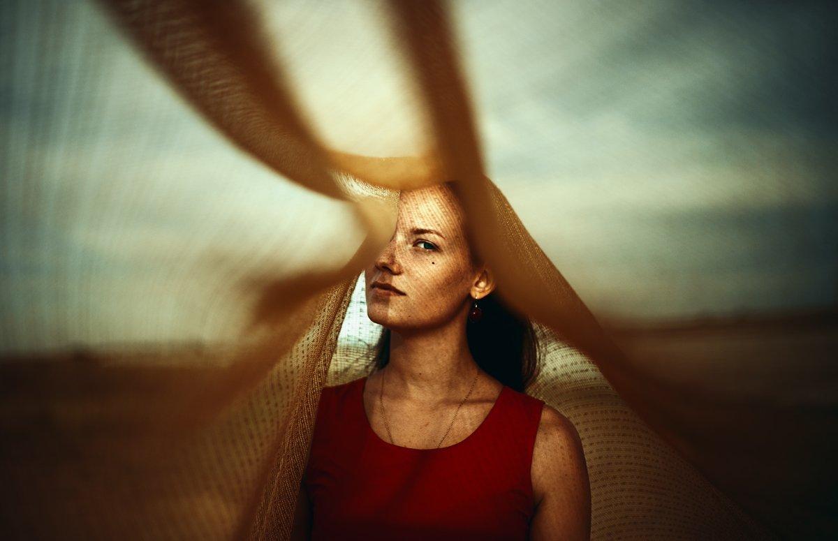 Ветер и ткань, Естественный свет, Золотое фото, Яркий свет, Маховицкая Кристина