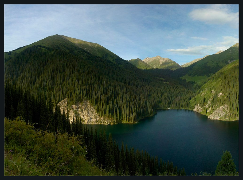 горы,природа,озеро,скалы,цветы,облака,ущелье,лес,трава,камни,рассвет, Андрей Ухов