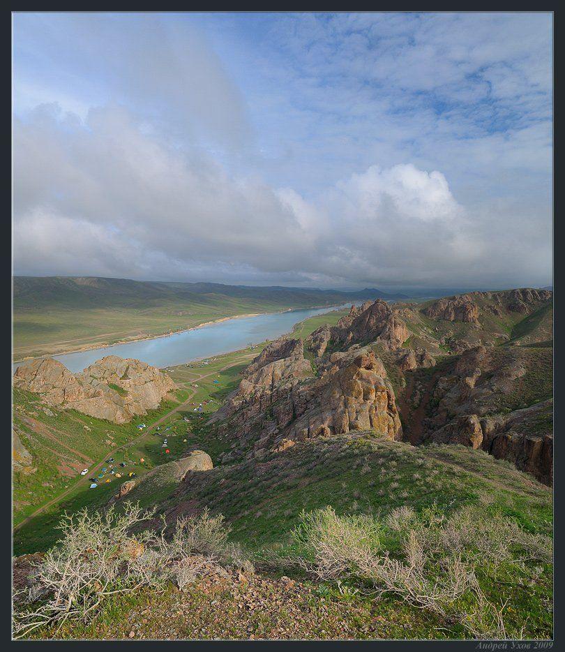 весна,природа,река,скалы,скалолазание,лагерь,утро,облака,степь,кустарник,камни,галька, Андрей Ухов