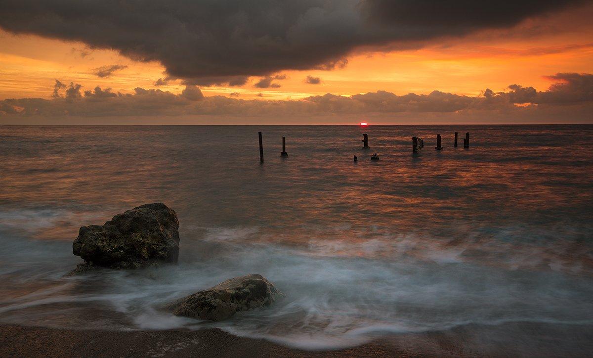крым., пейзаж., море., берег., небо., облака., утро., камни., Сергей Шульга