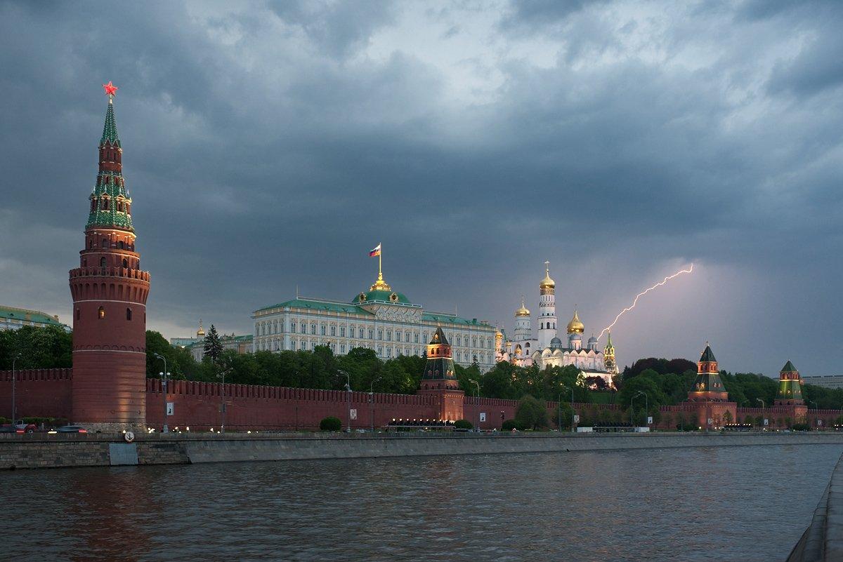Город, Городской пейзаж, Гроза, Кремль, Молния, Москва, Москва-река, Тучи, Михаил Глаголев
