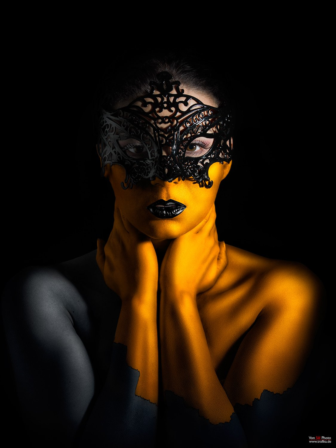 Girl, gold, mask, black, hustler, Von Sel