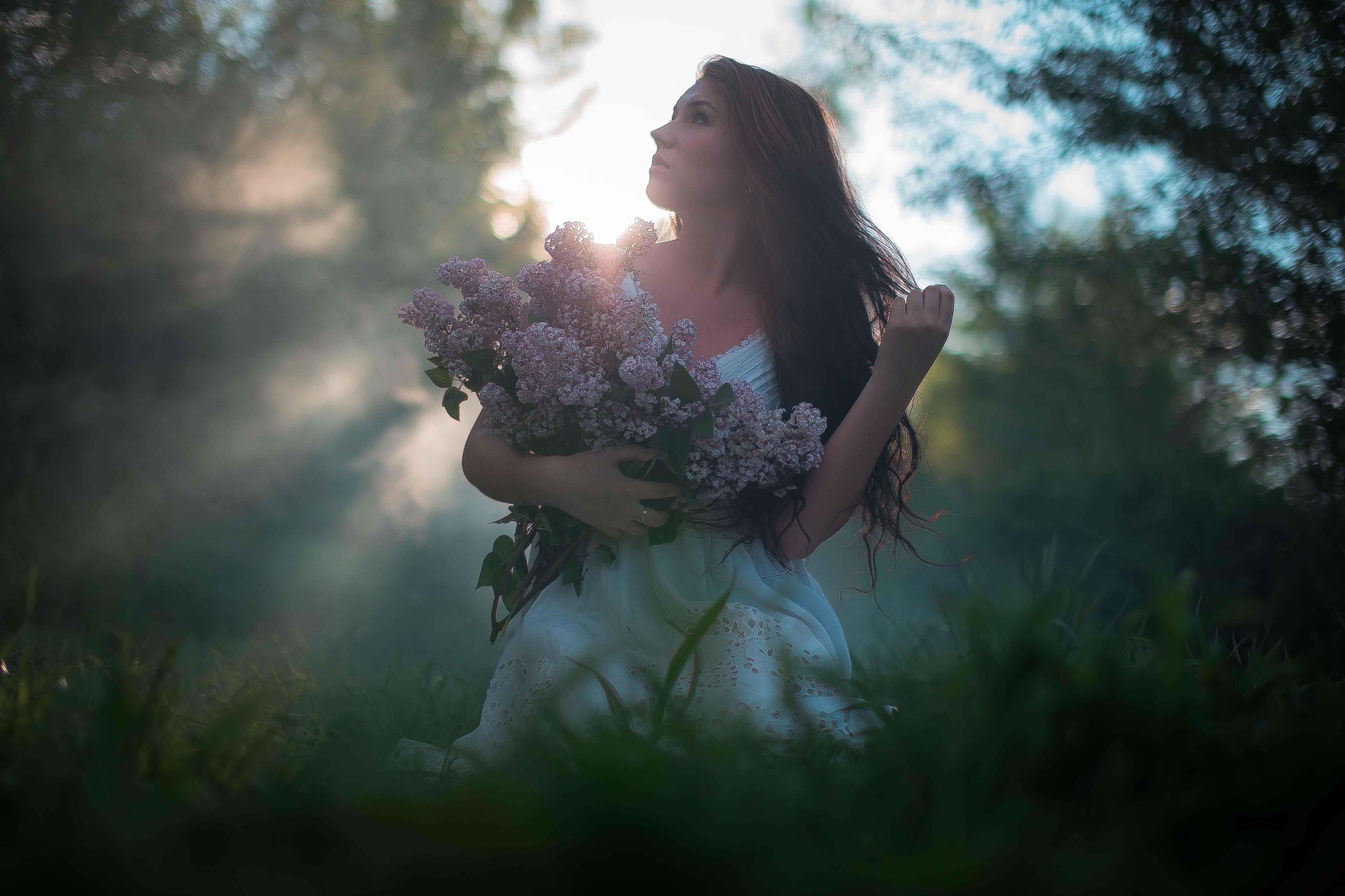 Девушка, портрет, платье, свет, трава, лес, поляна, закат, рассвет, сирень, Иванов Юрий