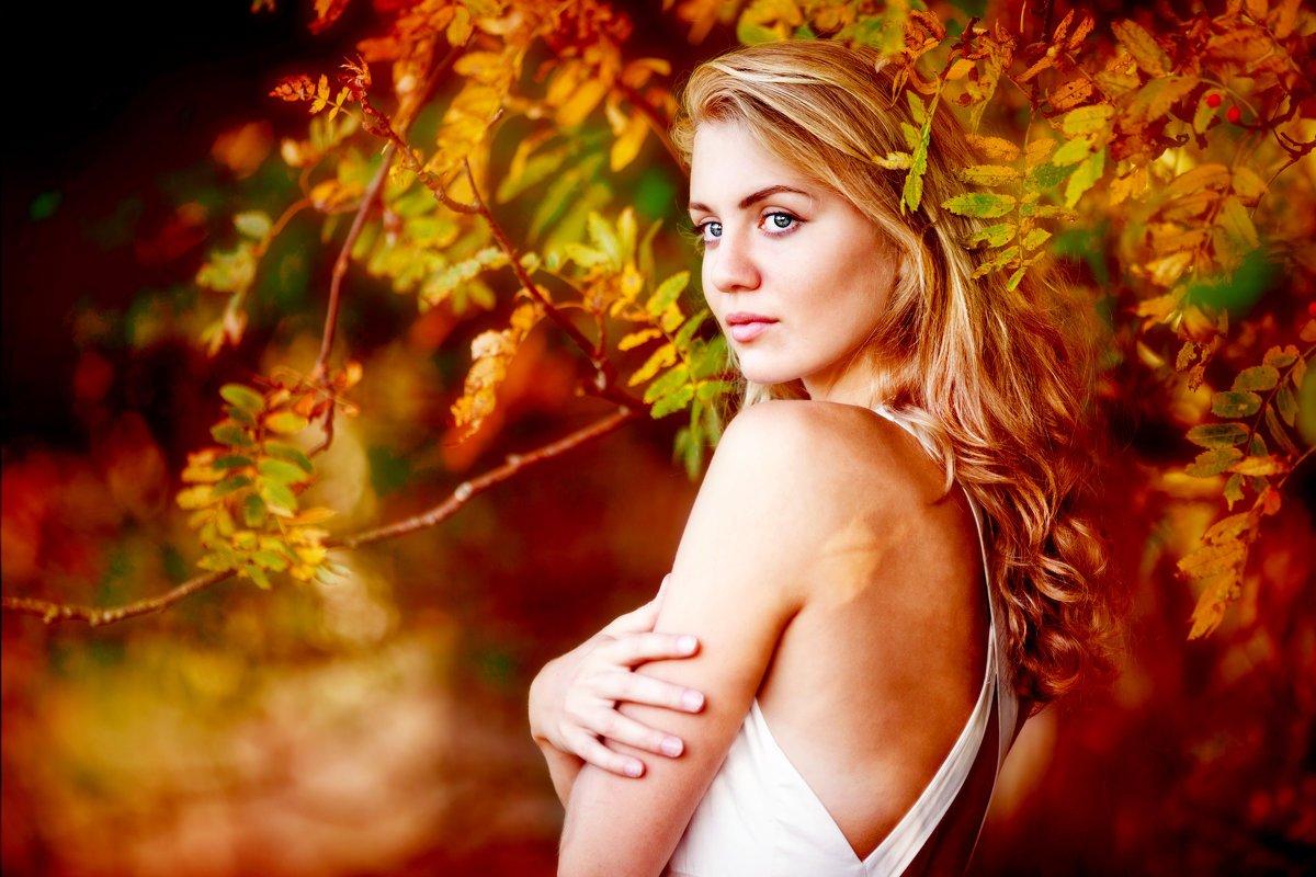 портрет,девушка,осень, Мария Монастырная