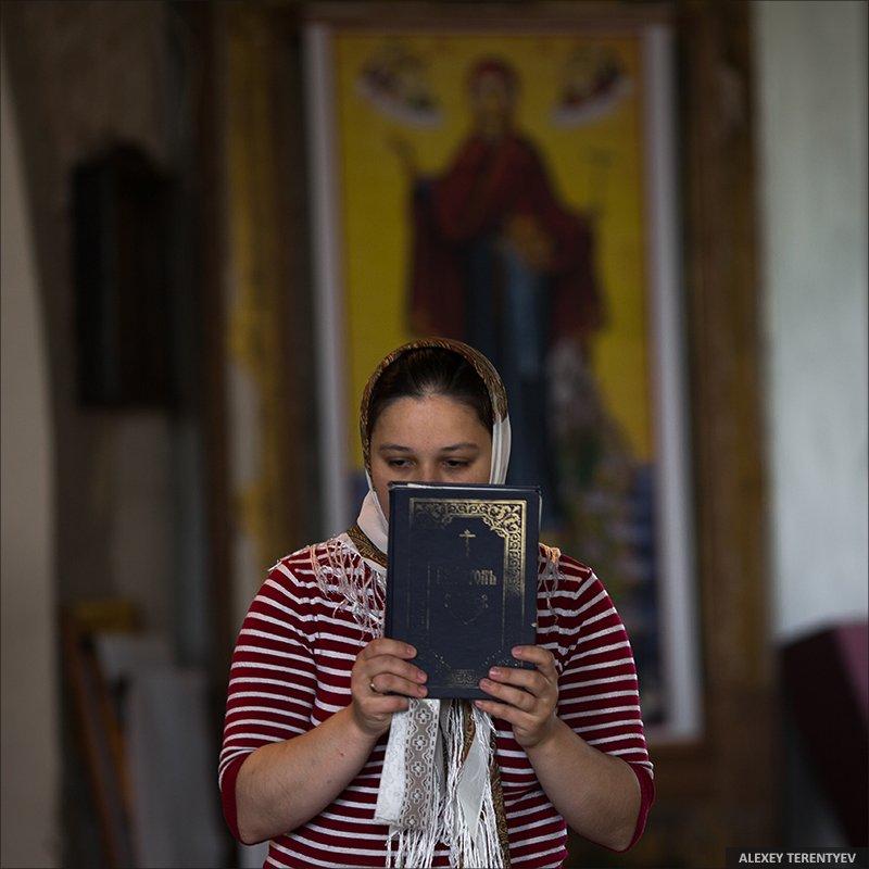 храм, молитва, женщина, вера, церковь, Алексей Терентьев