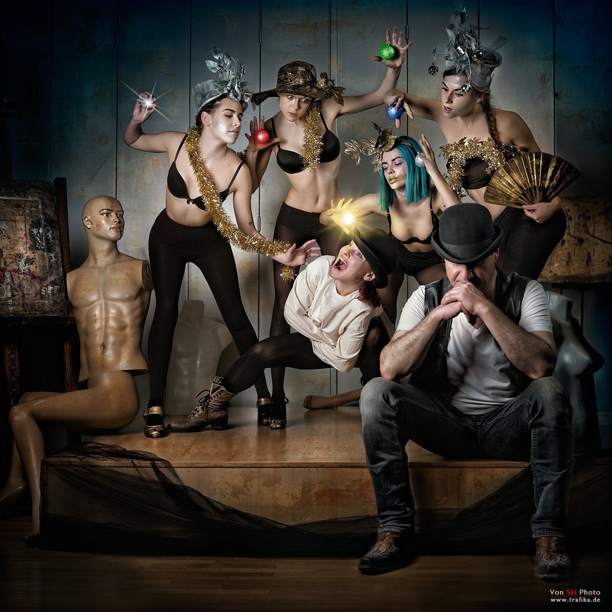 new, year, xmas, balls, lights, girls, mad, hats, dolls, Von Sel