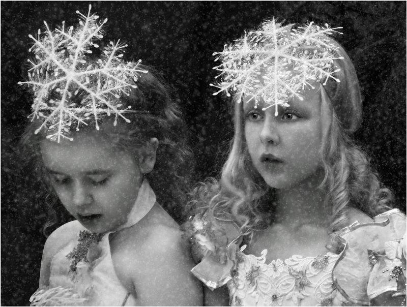 новый год снежинки, зима, девочки, взгляды,, Olga Panteleeva