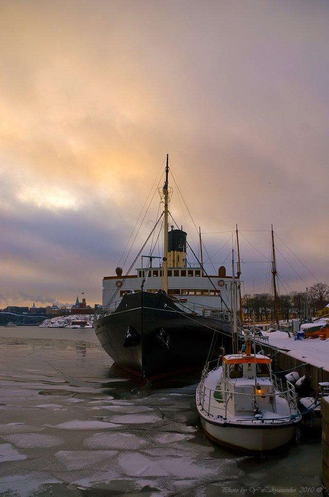 корабль, небо, стокгольм, Юрий Лукьяненко (o4spok)