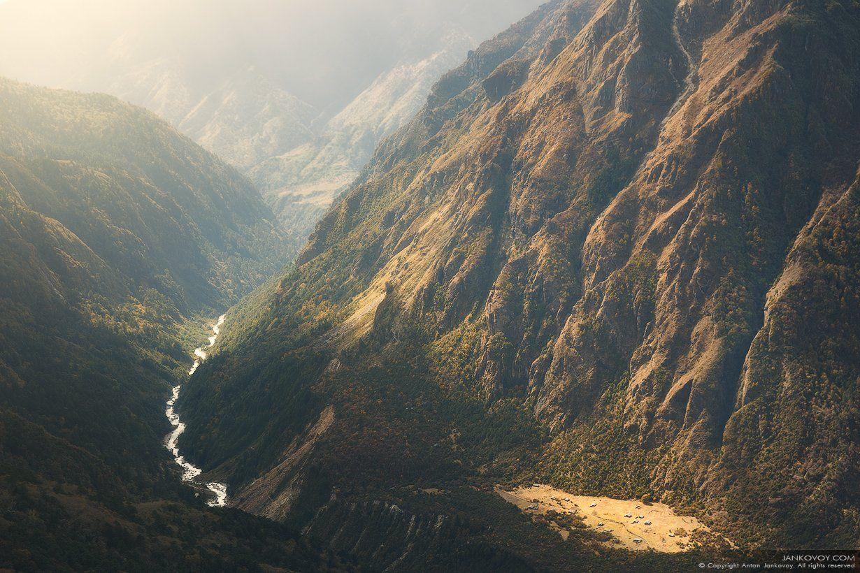 Непал, Гималаи, горы, трек, треккинг, скалы, природа, пейзаж, путешествия,, Антон Янковой (www.photo-travel.com)