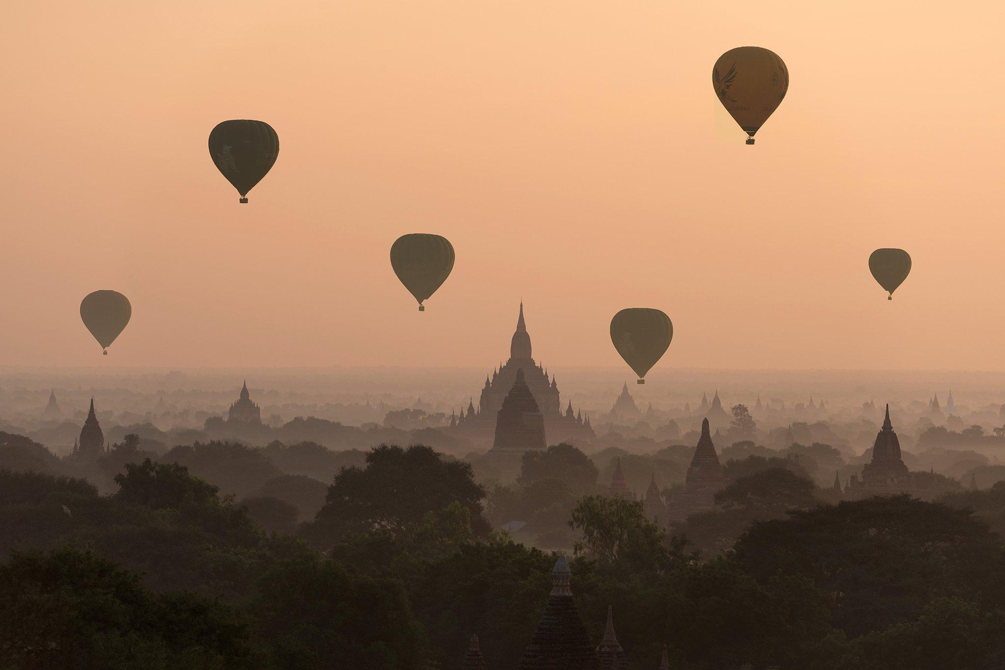 Bagan, balloons, flying ,over ,ancient,temples, sarawut intarob