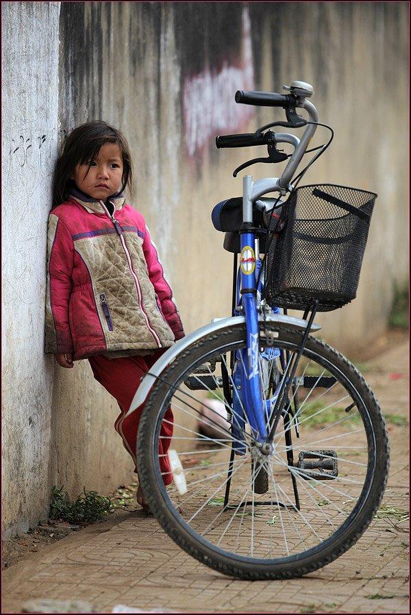 лаос, девочка, велосипед, грусть, Ханмурзин Павел