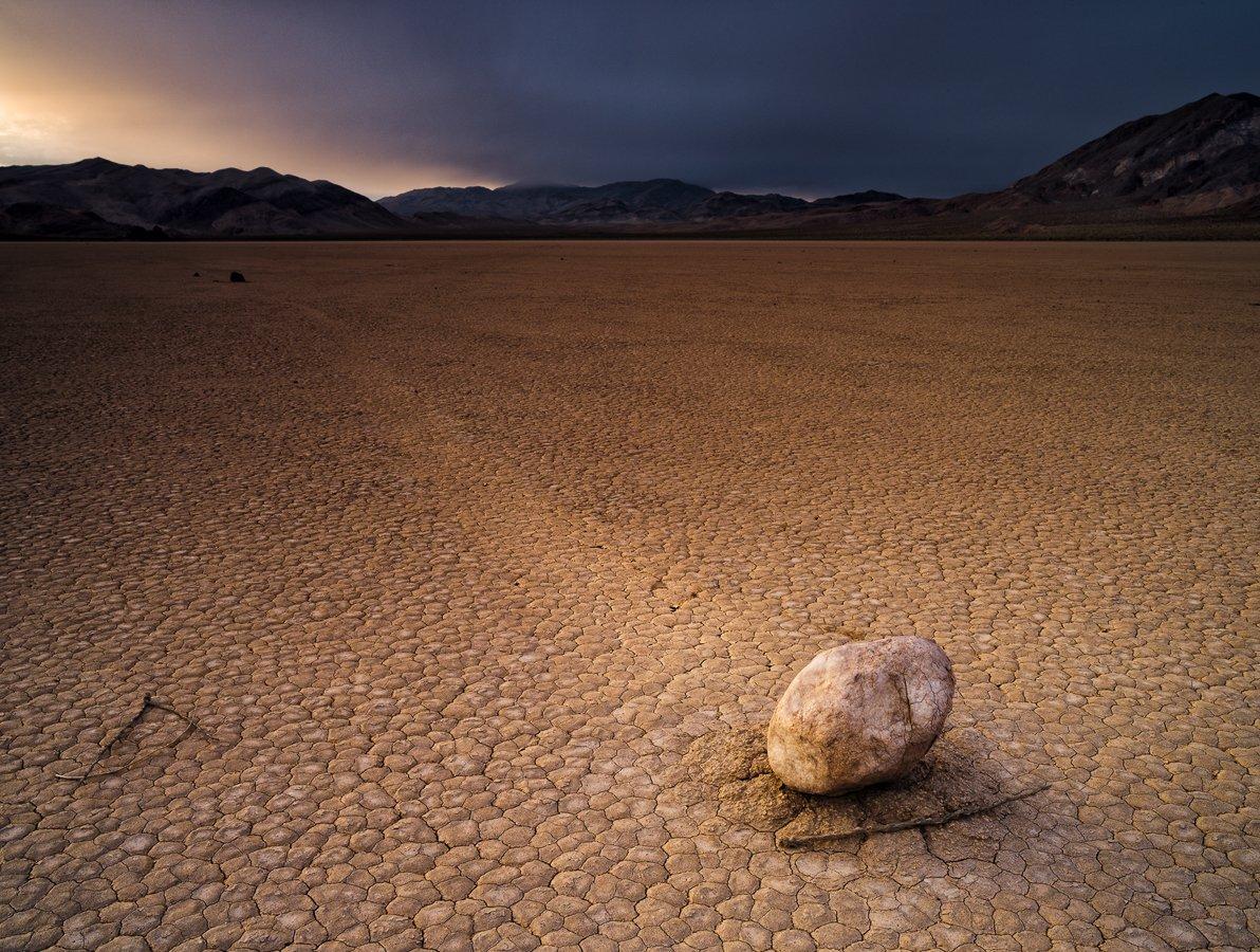 Racetrack, Death Valley, Alexander Ravin (www.worldwidephoto.ru)