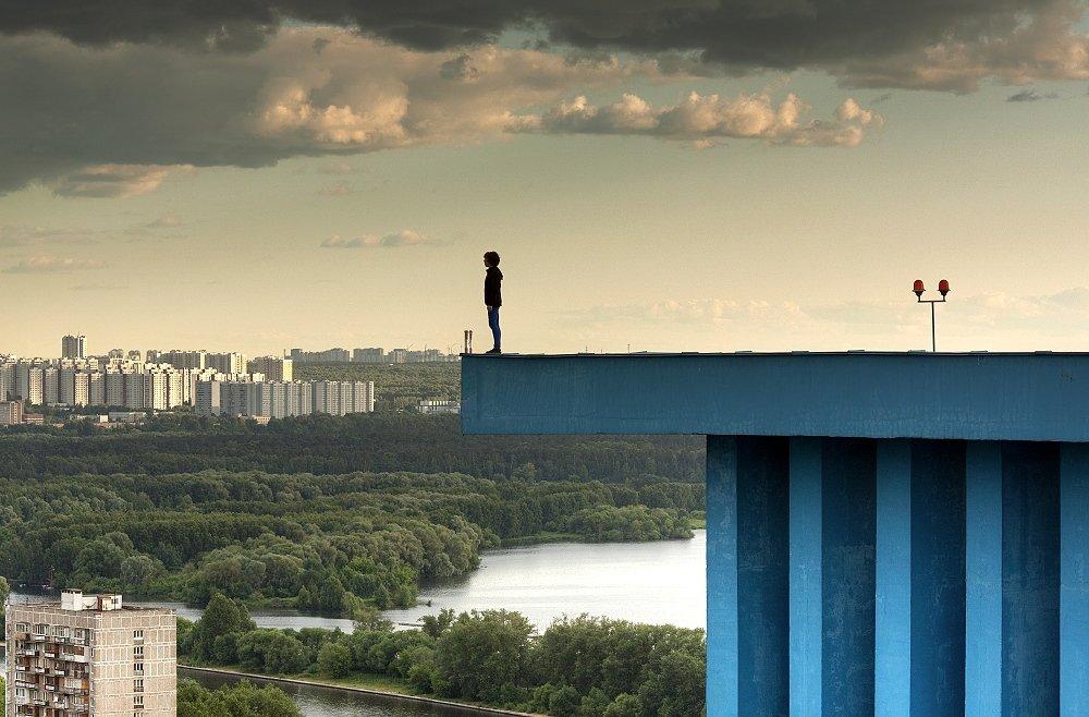 крыша, крыши, город, москва, вечер, небо, выступ, небоскрёбы, высотки, Kremchik