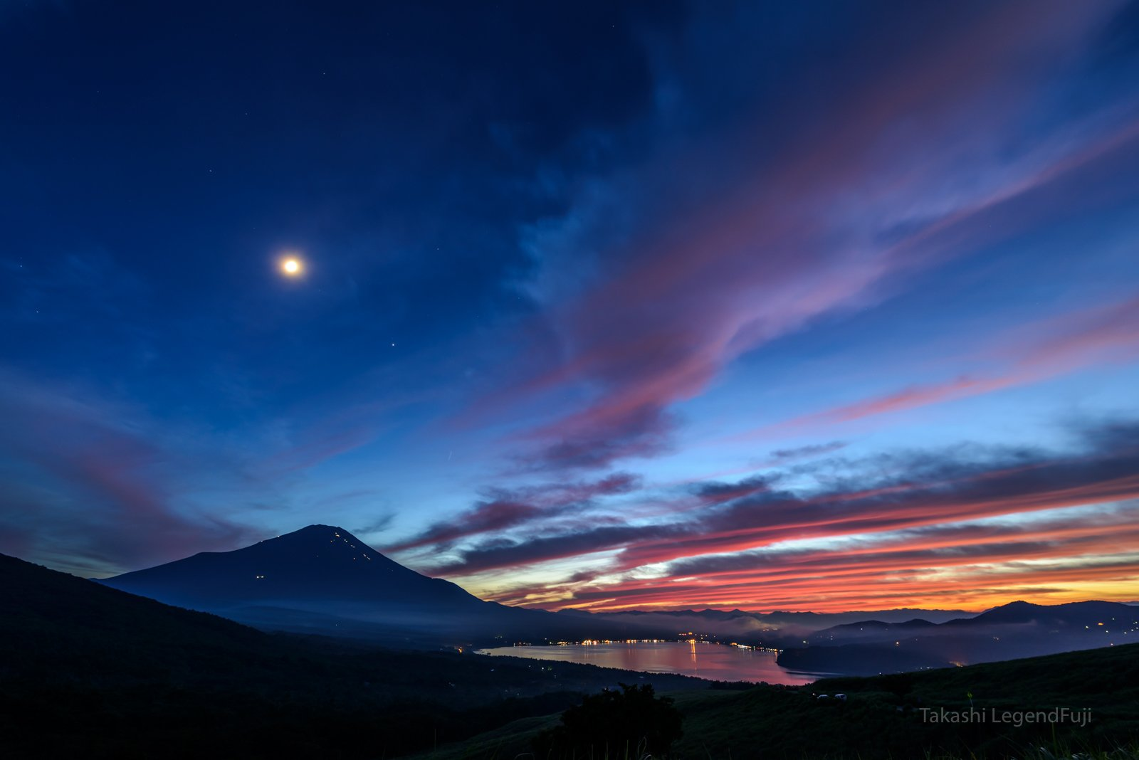 Fuji,mountain,Japan,cloud,sunset,night,red,blue,lake,moon,luna,, Takashi