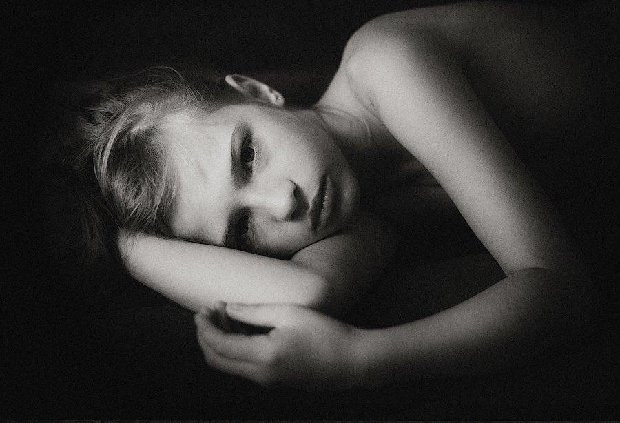 дети, черно-белое,Павлодар,Казахстан,эмоции,жизнь, детство, Оксана