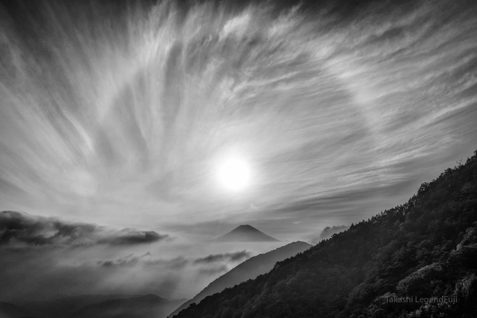 fuji,mountain,japan,cloud,halo,sun,sunrise,sunshine,, Takashi