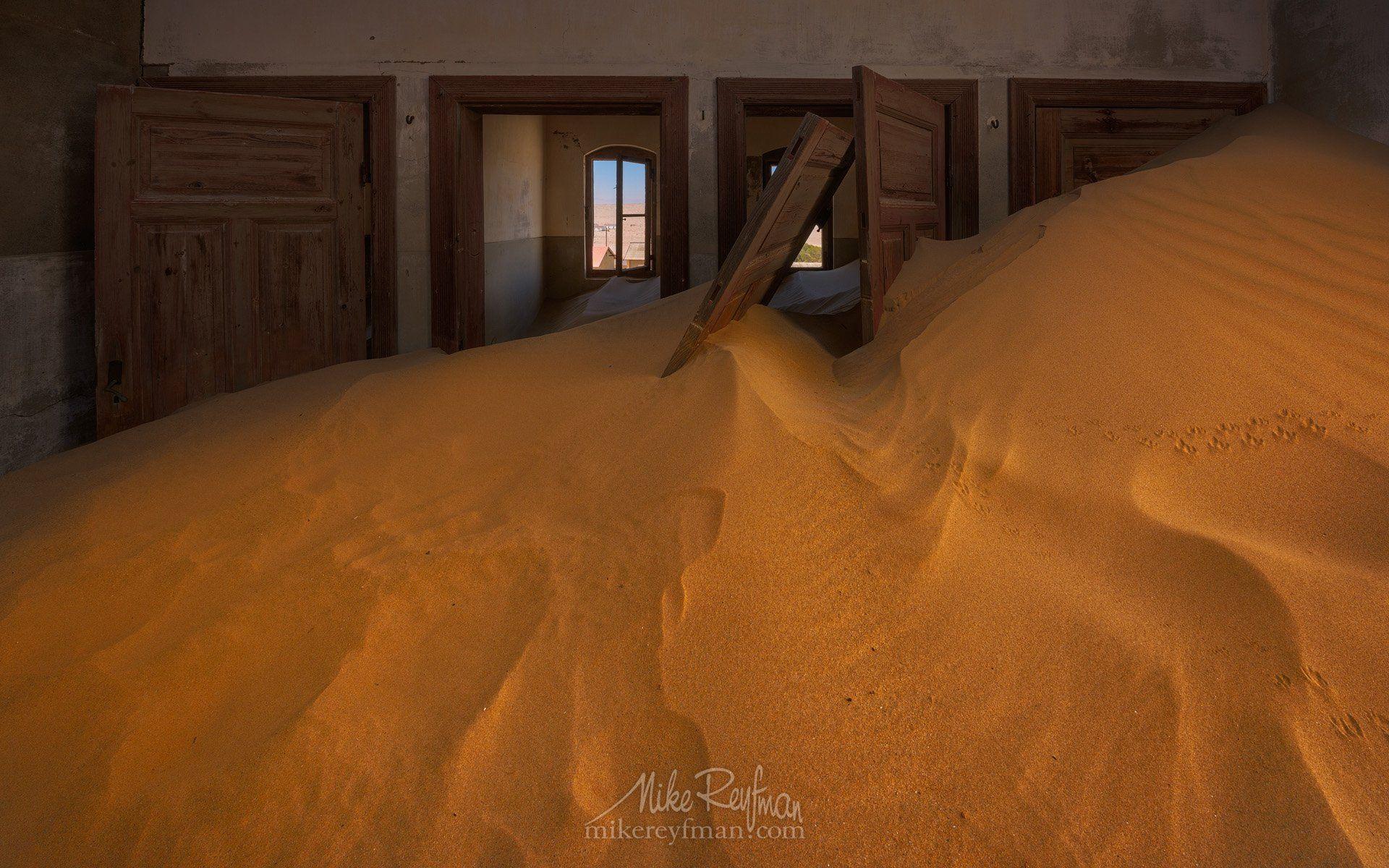 Ghost town kolmanskop, Namib desert, Southern namibia., Майк Рейфман