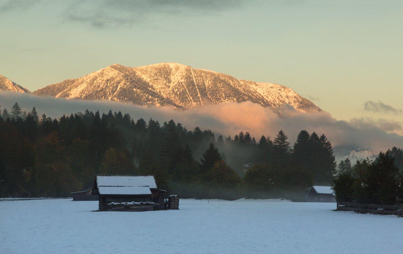 Горы, Изба, Осень, Снег, Александр Удовиченко