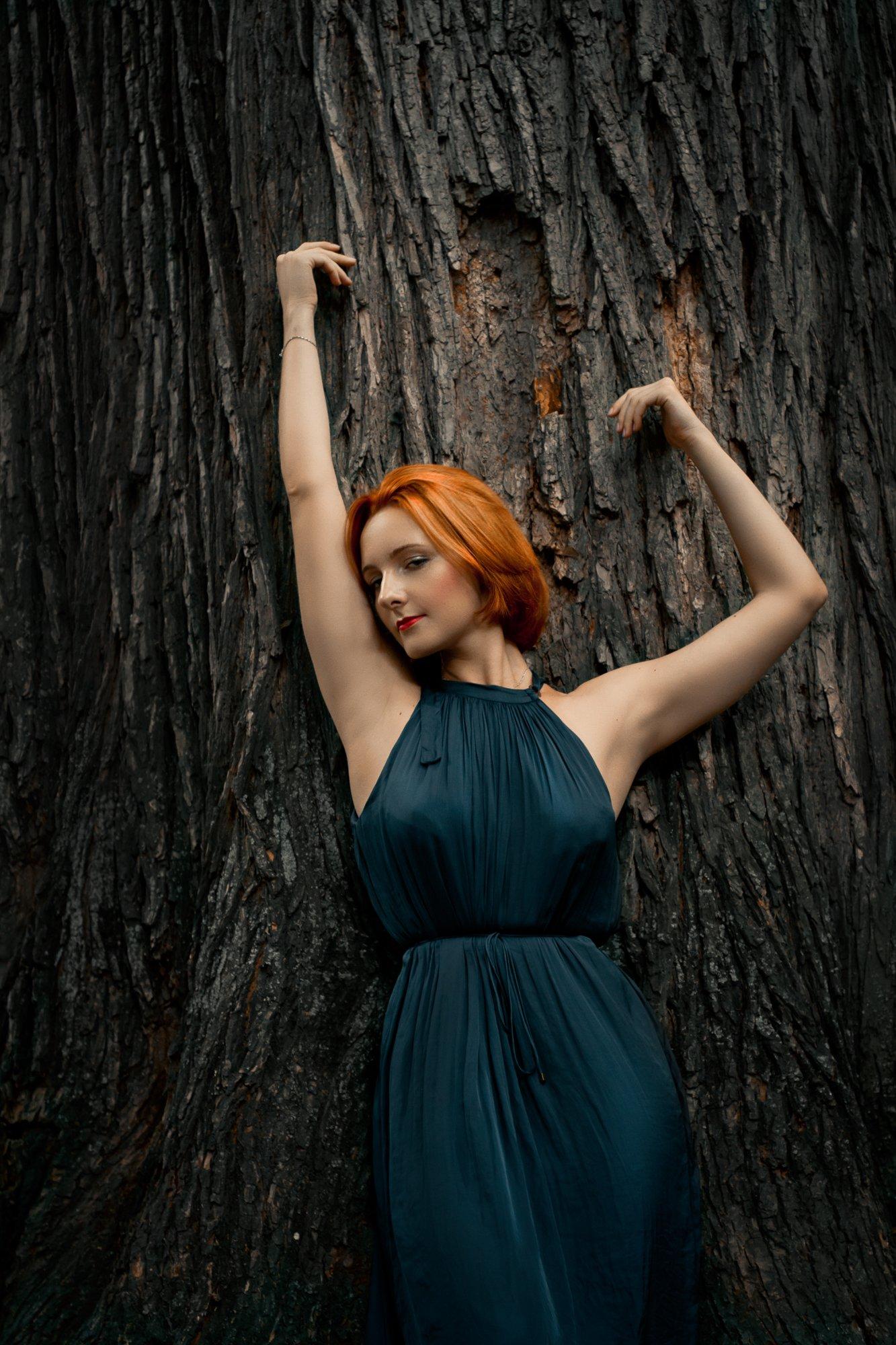девушка, дерево, портрет, пленэр, рыжая, , Наталья Голубева