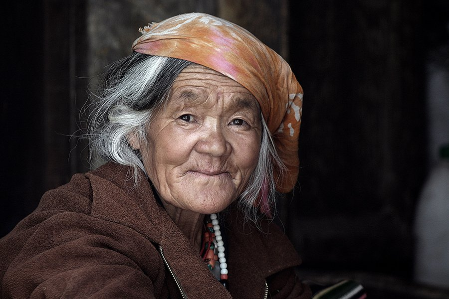 portrait, woman, old, people, ladakh, india, street portrait, oren s, Oren S.