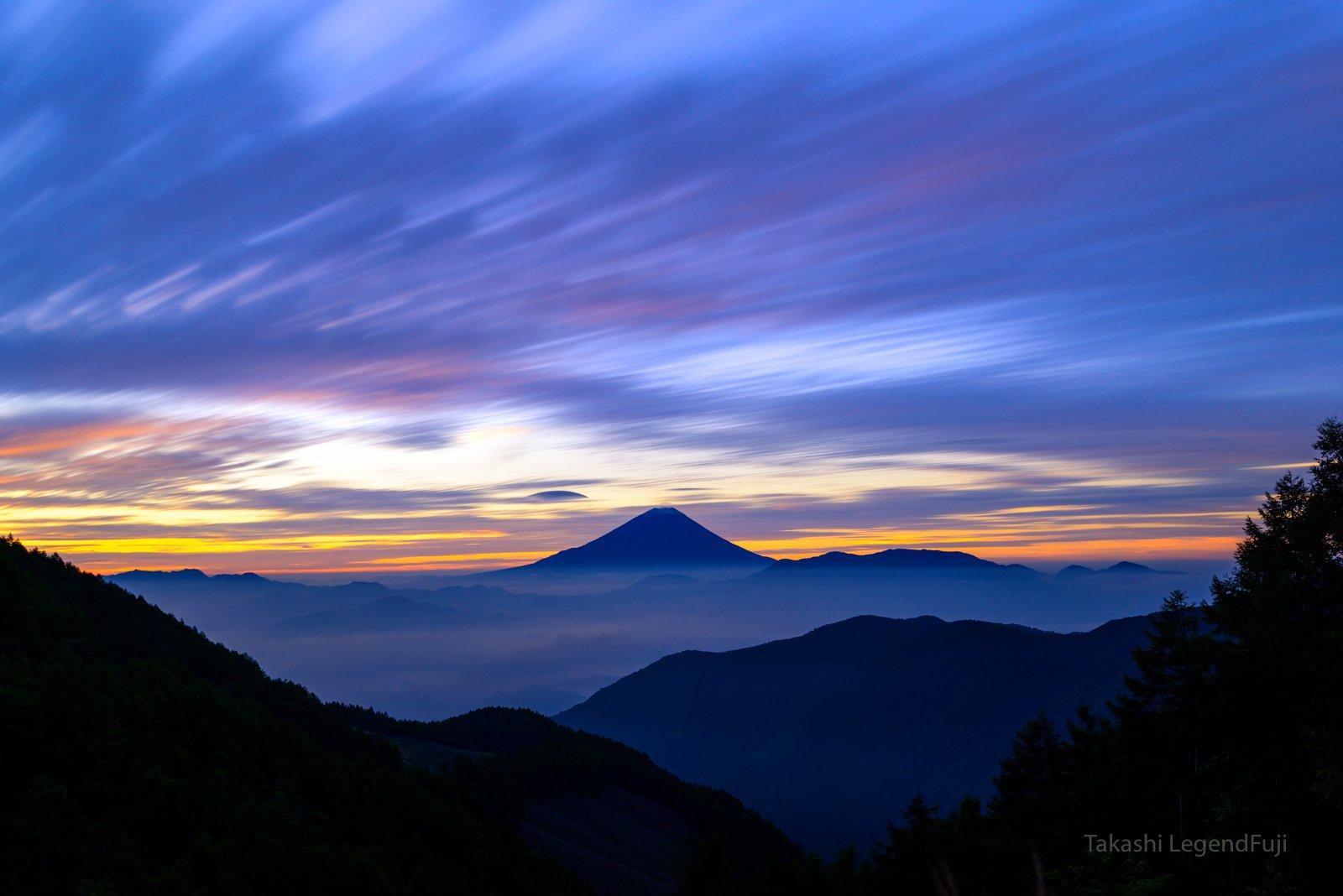 Fuji,mountain,Japan,red,blue,sky,cloud,morning glow,, Takashi