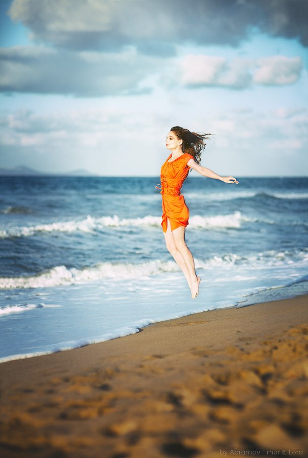 море, полет, девушка, левитация, Лора