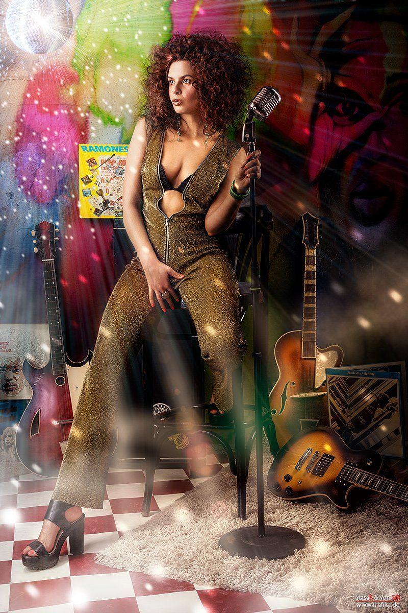 glam, rock, lp, microphone, lady, gold, wall, ball, music, guitar, hair, Von Sel