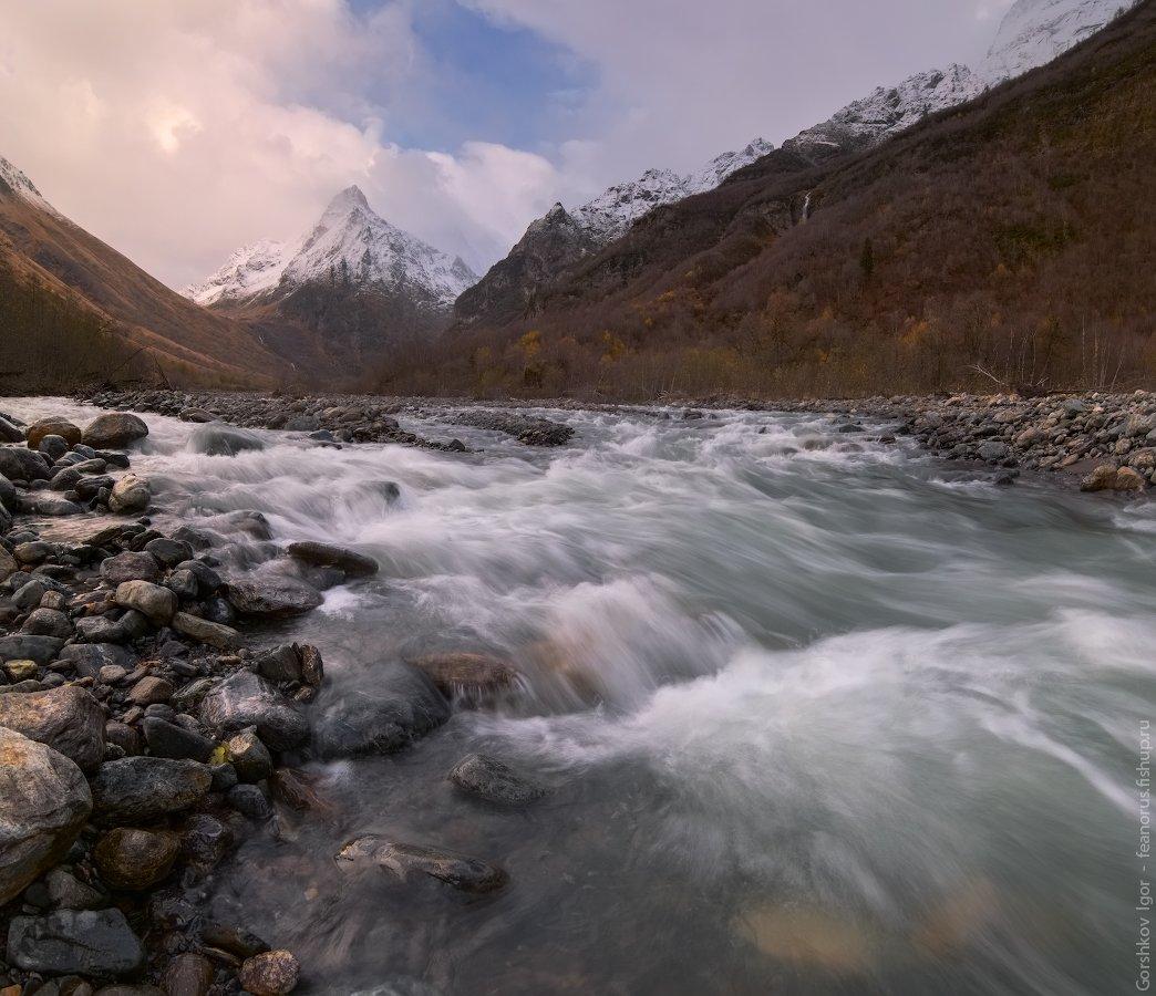 горы,кавказ,домбай,ульген,река,осень,пейзаж,тучи,непогода,панорама,россия, Горшков Игорь