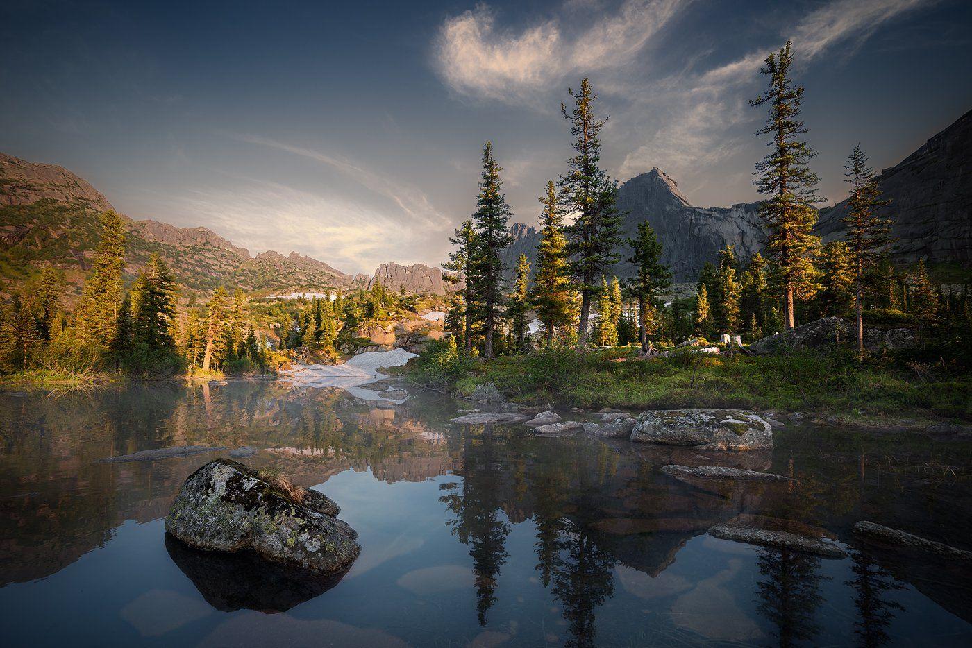 пейзаж, природа, ергаки, саяны, лазурное, горы, скалы, вершины, хребет, озеро, вечер, спящий, саян, дно, камни, отражения, вода, холодный, большой, высокий, красивая, Дмитрий Антипов