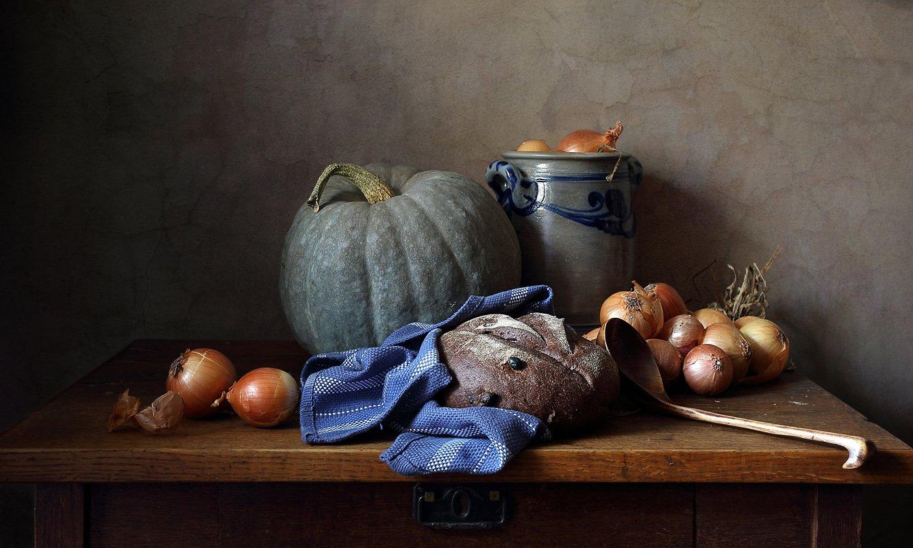 тыква, лук, хлеб, осень, классический натюрморт, Елена Татульян