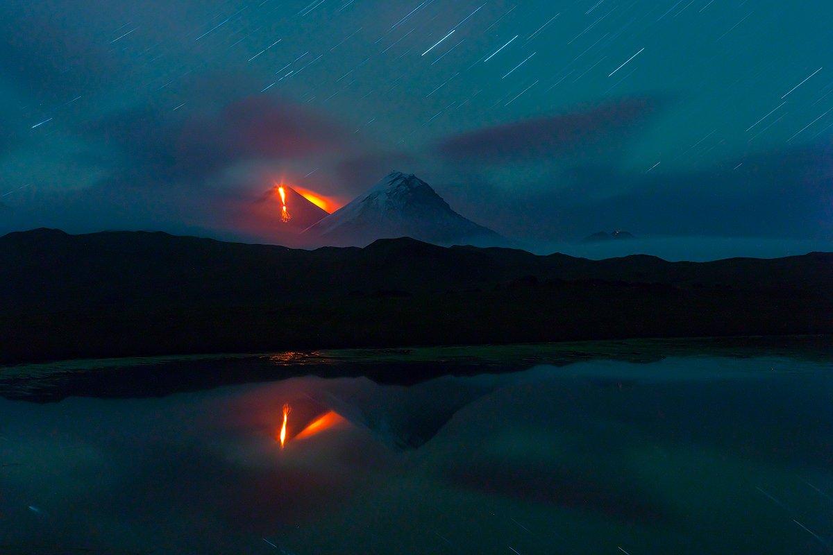 камчатка, фототур, путешествие, природа,  пейзаж, вулкан, ночь, извержение, лава, звезды, Денис Будьков