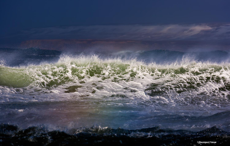 шторм; волны; брызги; сопки; тихий океан; остров беринга; море; ветер; камчатка; командорские острова; командоры; дальний восток, Дмитрий Уткин