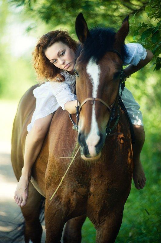 девушка, оля, лошадь, улица, BezOdezhdi