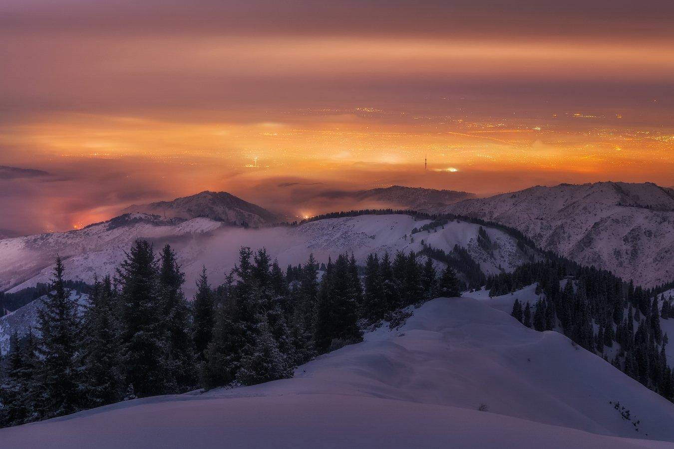 алматы, ночь, горы, туман, Ольга Кулакова