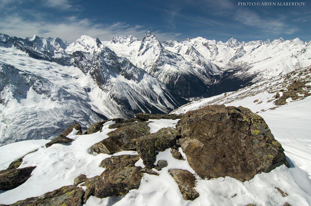 домбай, горы, камни, ущелье, долина, зима, снег, лыжи, панорама, вершины, туризм, пики, путешествия, скалы, высота, глыба, небо, карачаево-черкесия, северный кавказ, АрсенАл