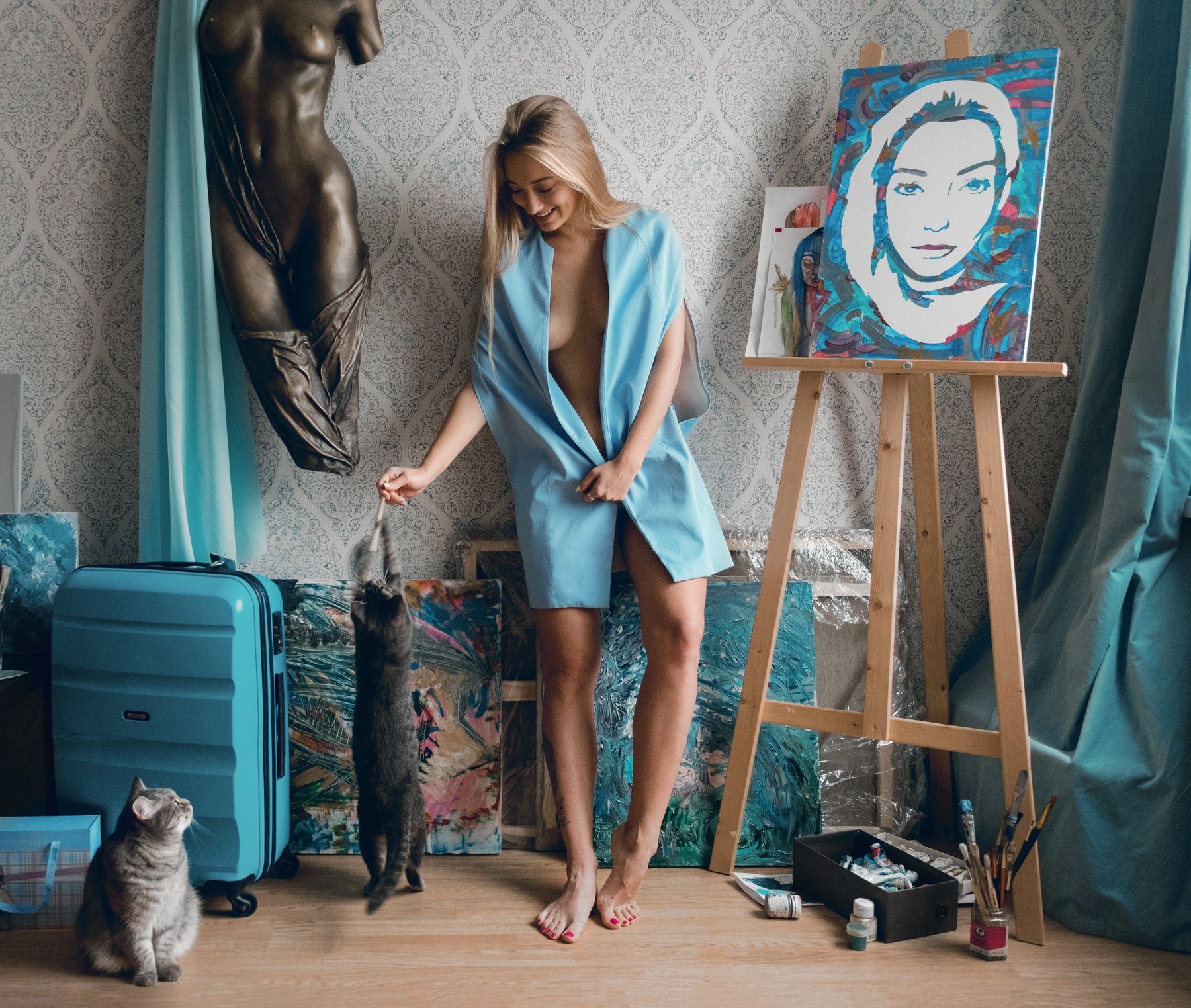 girl, at home, blue, skyblue, color, cat, cats, painter, model, , Роман Филиппов