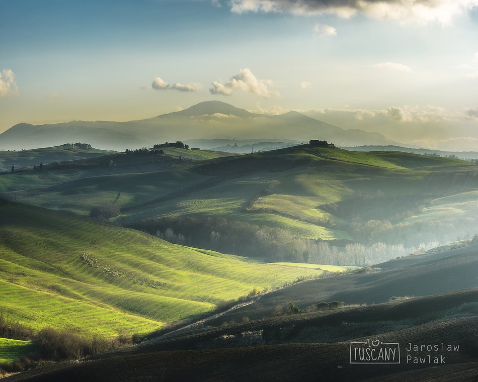 italy, countryside, rural, tuscany, nature, house, green, landscape, hill, spring, italian, meadow, cypress, beauty, tuscan, idyllic, country, agriculture, tree, farmhouse, peaceful, scenic, morning, view, summer, scene, italia, haze, europe, fog, garden,, Jaroslaw Pawlak