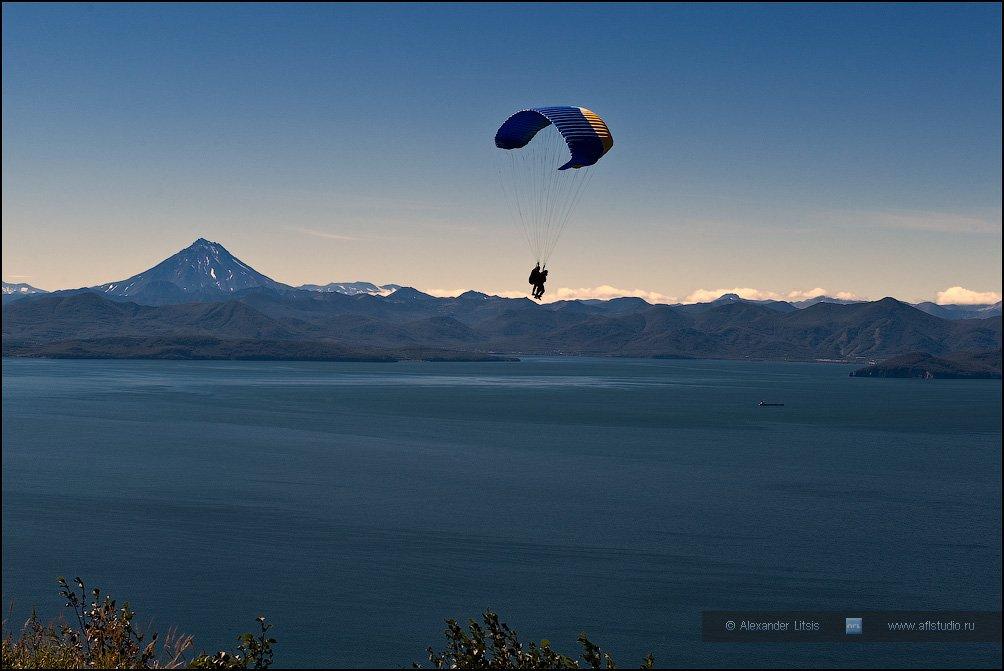 Камчатка, море, горы, параплан, Александр Лицис