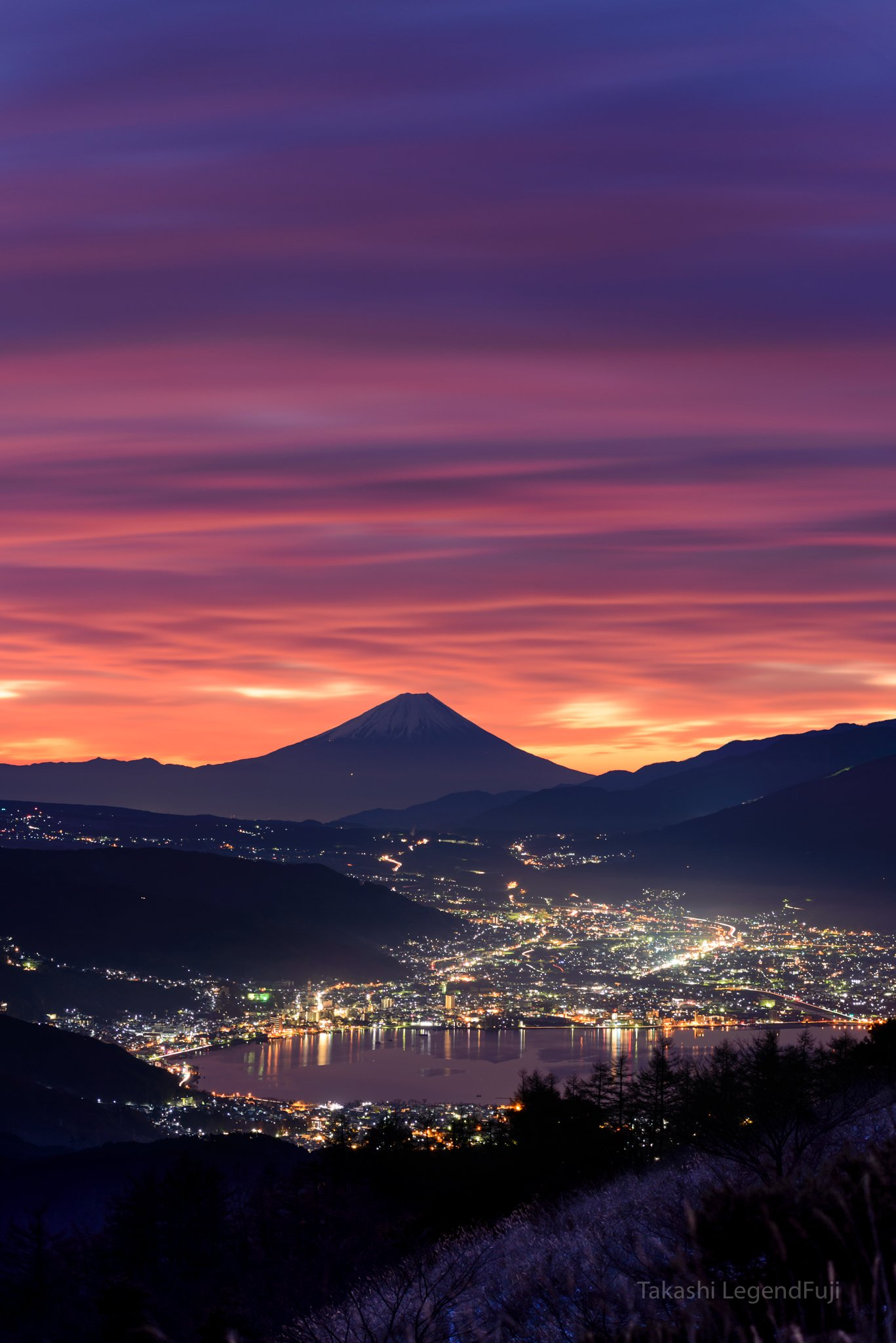 fuji,mountain,japan,sky,red,crimson,cloud,lake,night,light,landscape,amazing,, Takashi