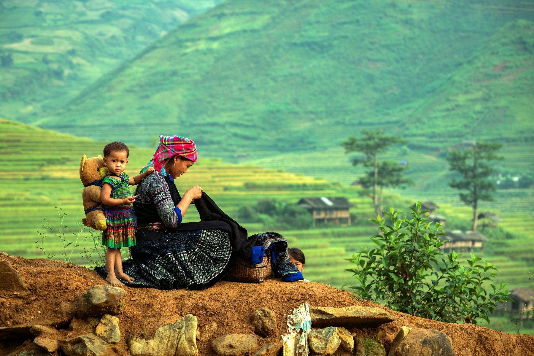 child,mom,portrait,vietnam,laos,hmong,mother,son,, SUTIPORN SOMNAM