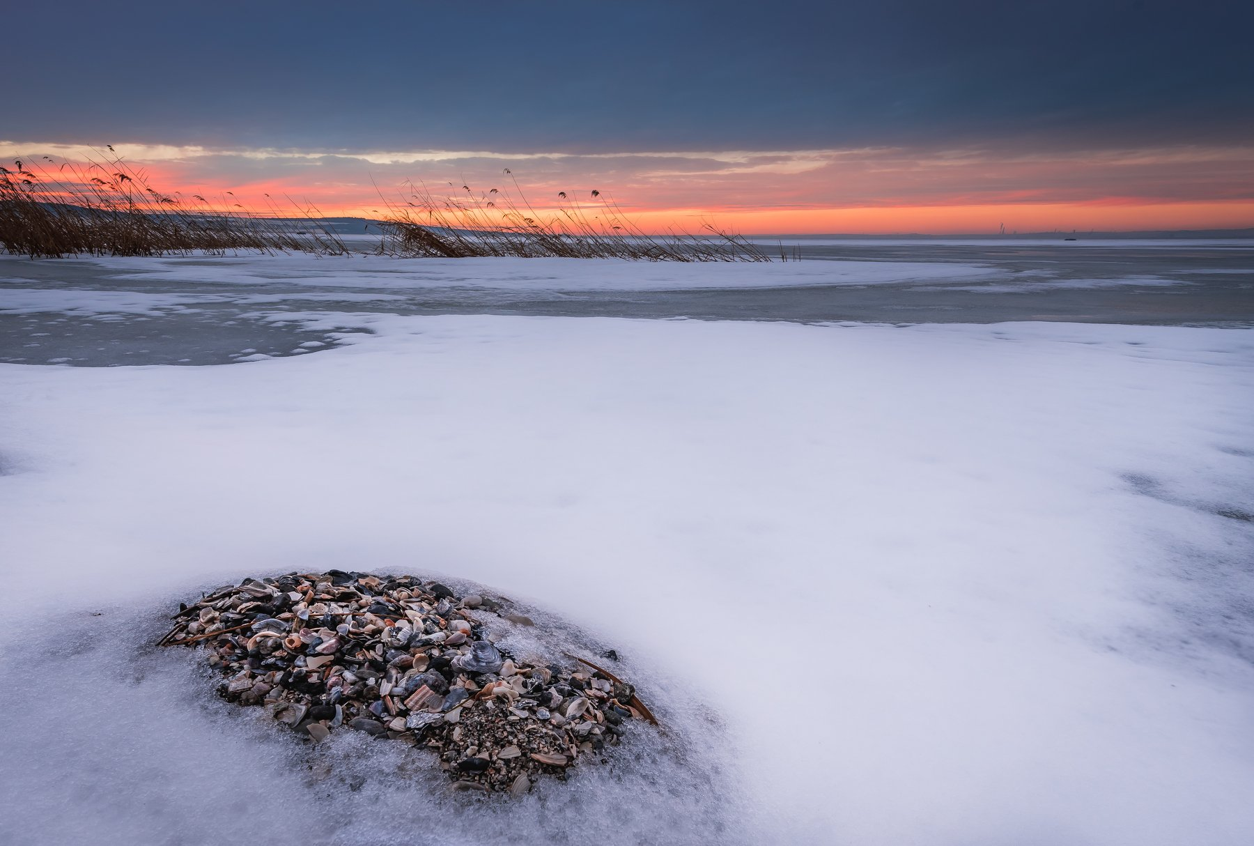 sunset, lake, shell, snow, winter, landscape, nature, Jeni Madjarova