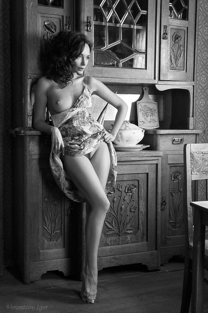 девушка  грудь обнажённая ню винтаж  диван, Воронцов Игорь