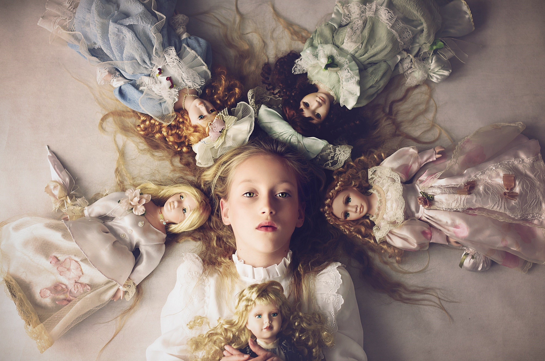 girls. portraits, child, natural light, conceptual, doll, Anna Ścigaj