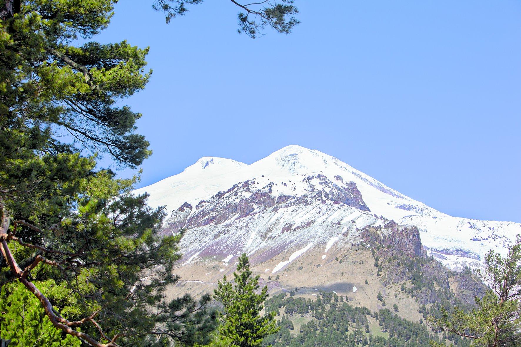 кабардино-балкария. высшая точка европы - гора эльбрус. вид с чегета, Заур Вороков
