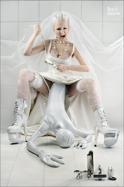 fetish, zentai, bride, agna devi, catsuit, bdsm, фетиш, комбинезон, кэтсьюит, агна деви, зентай, треш, эмоции, невеста, альтернативная, винил, пвх, платье, роженица, фетишистка, фетиш модель и дизайнер фетиш одежды Agna (FetishModel.ru)
